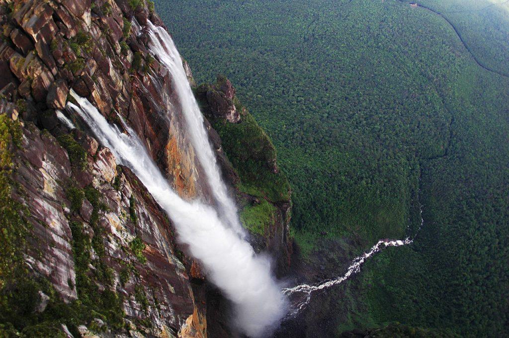 la cascata più alta del mondo dall'alto salto angel angel falls venezuela