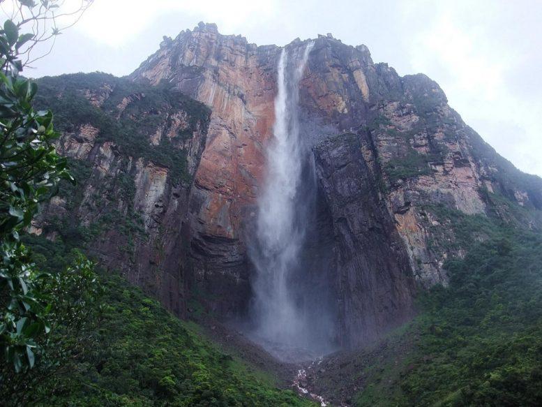 la cascata più alta del mondo salto angel angel falls