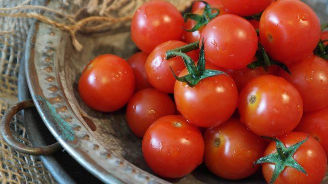 potatura dei pomodori